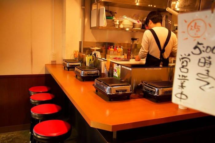 ぼっち最高!カウンター席で食べる東京で一人焼肉ができるお ...