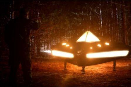 La reconstitution de l'OVNI de Rendlesham dans l'un des nombreux documentaires consacré à ce cas.