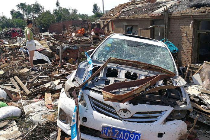 Chine : la ville de Kaiyuan ravagée par une tornade meurtrière