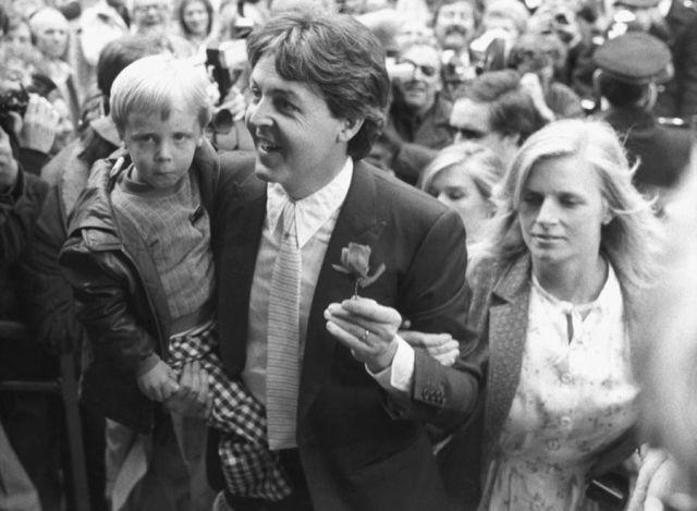 Ringo Starr Barbara Bach Mariage 1981 Photos 9