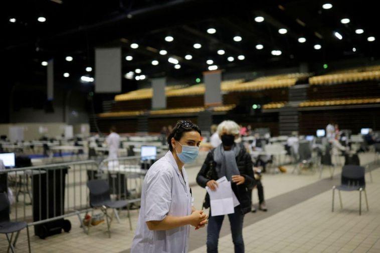 100 000 morts en France, «catastrophe humanitaire» au Brésil… le point sur le Covid-19