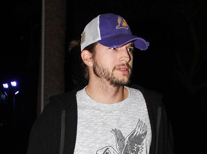Ashton Kutcher  il a enfin coup sa tignasse et ras sa barbe trop longue