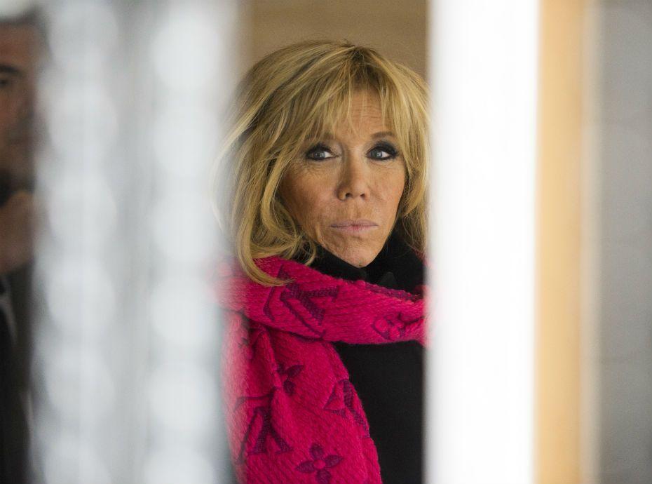Photos  Brigitte Macron  cest la premire dame qui promne le chien du prsident Nemo