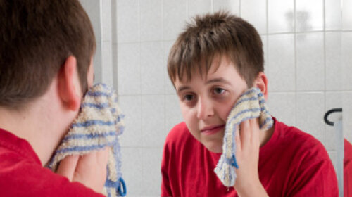 Is a washcloth a bad idea for cleansing your face?   HowStuffWorks