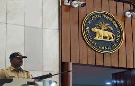RBI says GDP likely to contract 9.5 pc in FY'21, know 13 main points of Monetary Policy Committee- India TV Hindi