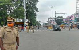 UP reduces night curfew timings by two hours from next week; restaurants, malls allowed at 50 pc cap- India TV Hindi