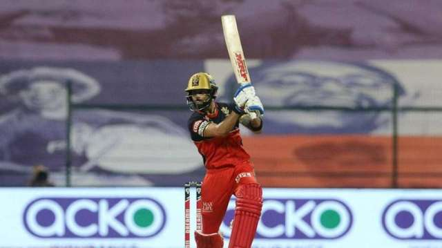 Virender Sehwag did not agree with Gautam Gambhir statement to be removed Virat Kohli from RCB capta- India TV Hindi