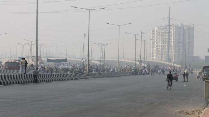 good news traffic on NH-24 opened from Delhi to Ghaziabad Noida दिल्ली से गाजियाबाद, नोएडा जाने वालो- India TV Hindi