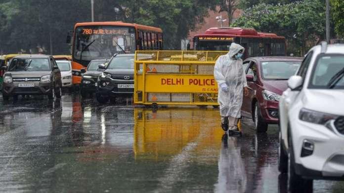 दिल्ली-एनसीआर और हरियाणा के कई इलाकों तेज हवा के साथ बारिश- India TV Hindi