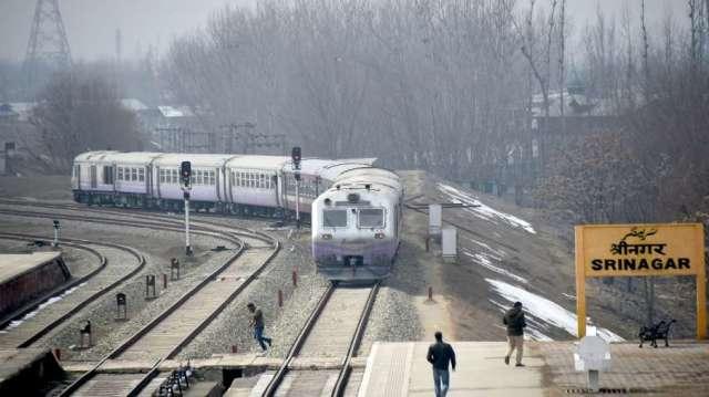 Indian railways good news train to kashmir srinagar from new delhi mumbai jammu before 2024 irctc भा- India TV Hindi