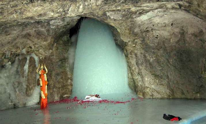 Lord Shiva Parvati Hd Wallpapers First Pictures Of Holy Amarnath Ice Lingam This Season