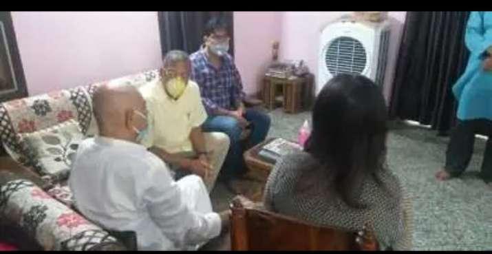 India Tv - Nana Patekar at Sushant Singh Rajput's home
