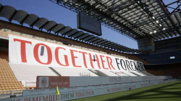AC Milan pay tribute to coronavirus victims in win over Roma 2