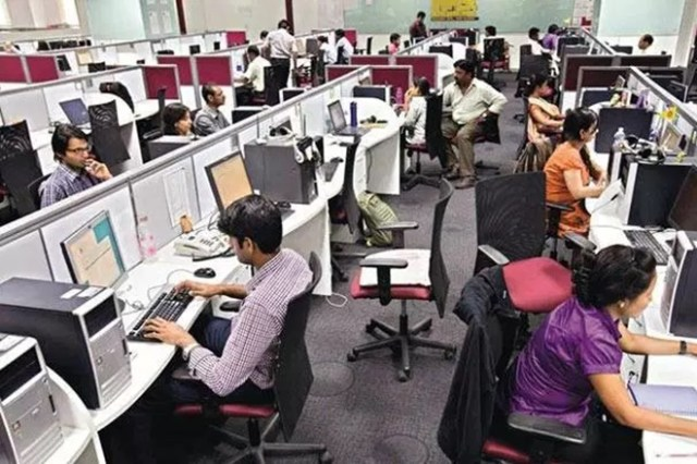 18% GST on non-completion of notice period