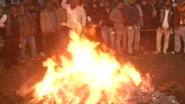 Farmers protest, farmers, lohri, Ghazipur, Singhu border