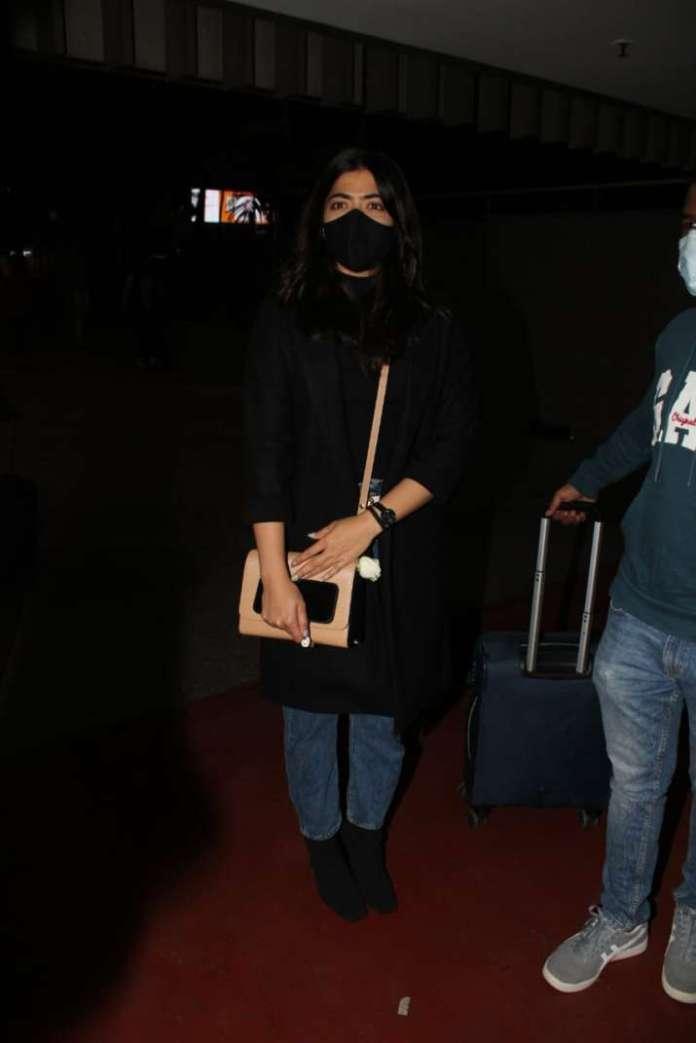 इंडिया टीवी - मुंबई एयरपोर्ट पर रश्मिका मंदाना