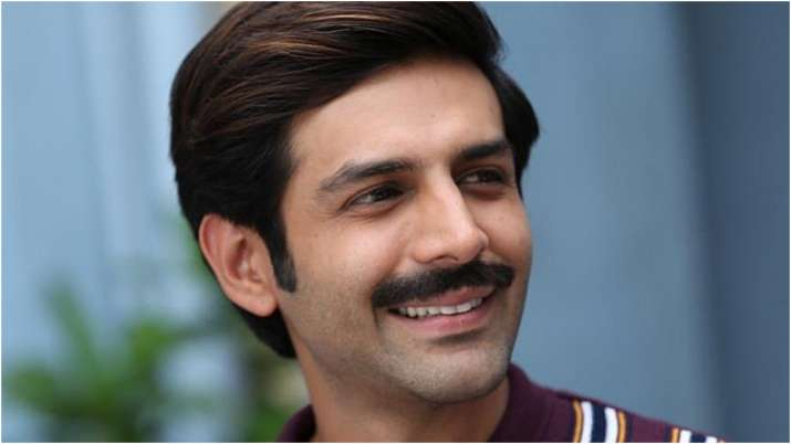Kartik Aaryan is waiting for 3rd phase of COVID 19 vaccine to start, jokes about his age in hilarious post