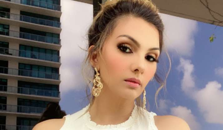 World Dance Day: Somy Ali lauds Madhuri Dixit, SRK's dancing skills, confesses not being a good dancer