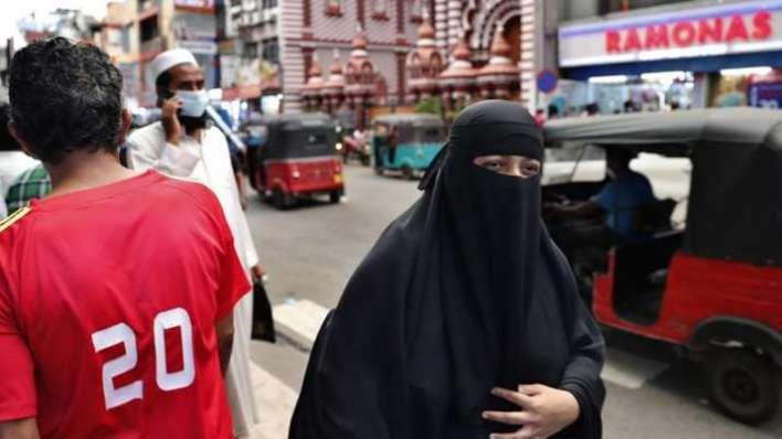 sri lanka muslim women, sri lanka burqa ban