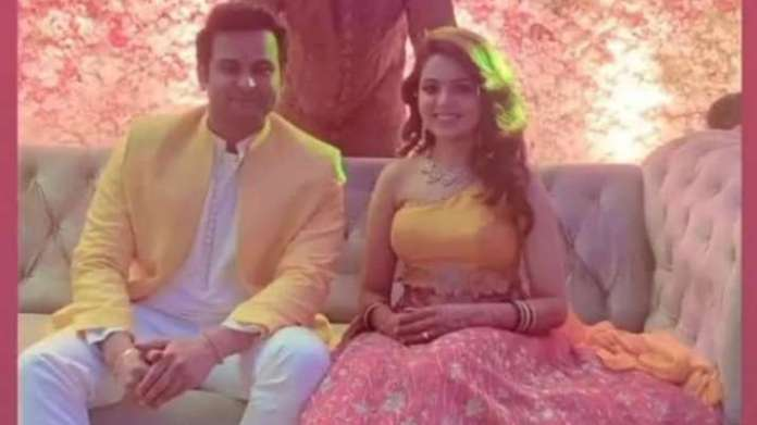 TKSS fame Sugandha Mishra, Dr Sanket Bhosale are now married. See their first pic as man & wife | Latest News Live | Find the all top headlines, breaking news for free online April 27, 2021