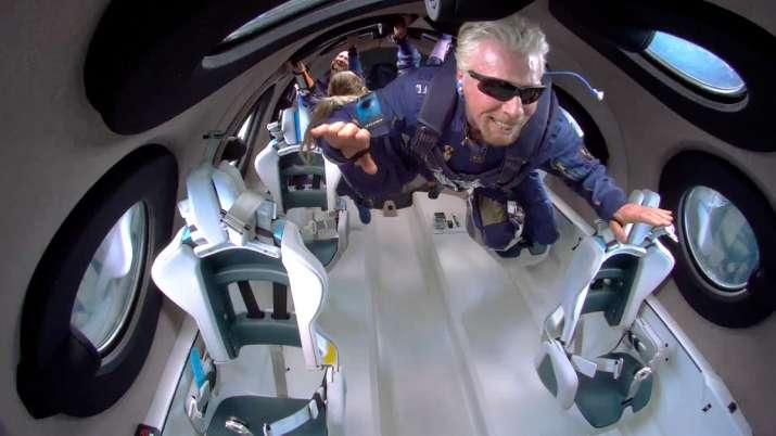 India Tv - British Billionaire Richard Branson, Virgin Galactic spaceship