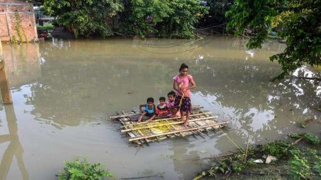 असम बाढ़, उत्तर पूर्व भारत में बाढ़, 86,000 प्रभावित, बाढ़ की स्थिति बिगड़ती है, भारत में बाढ़,