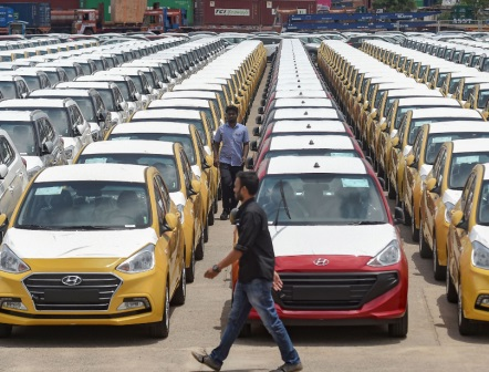 Centre to ask states for up to 25% road tax rebate under