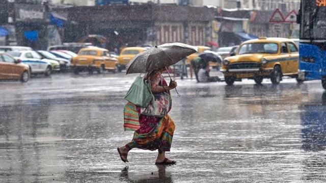 चक्रवात गुलाब, बंगाल में बारिश, बंगाल में बारिश, भारी बारिश, पश्चिम बंगाल में बारिश, पश्चिम बंगाल में बारिश,