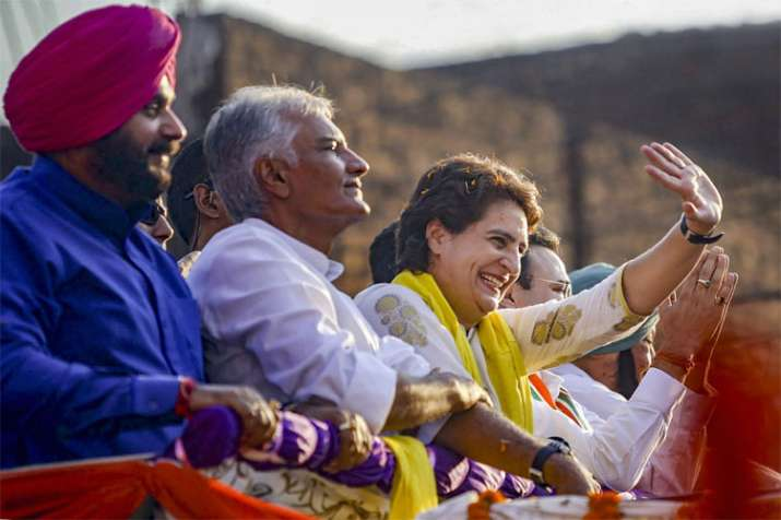 Congress General Secretary Priyanka Gandhi Vadra with party leader Sunil Jakhar and Navjot Singh- India TV