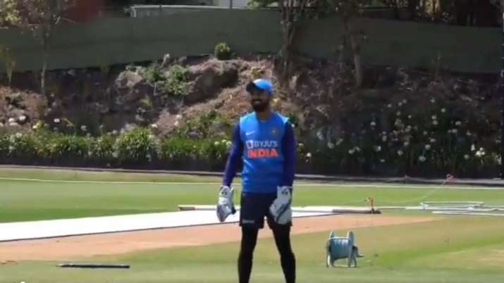 NZ vs IND : KL Rahul was seen practicing wicketkeeping in front of Bumrah-Saini's torrential bowling- India TV