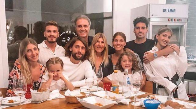 Oscar Ruggeri y su familia extendida
