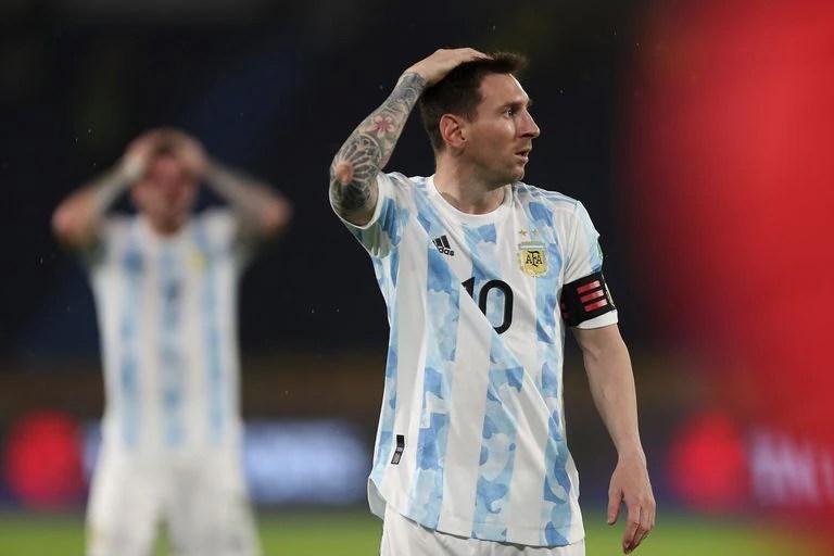 Hace nueve meses que están varados en el aeropuerto de Rosario 32 respiradores que donó Messi - LA NACION