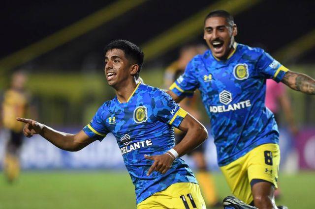 Luciano Ferreyra, autor del primer gol de Rosario Central en Venezuela; los canallas igualaron 2-2 y buscarán definir la serie el jueves en el Gigante de Arroyito