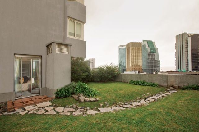 La propiedad tiene 265 metros cuadrados de terrazas-jardines