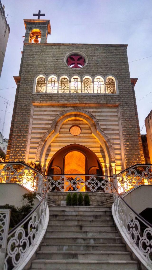 La Catedral de San Marón, construida en 2001 con piedras traídas del Líbano, reemplazó la antigua capilla del colegio homónimo, en Paraguay y Esmeralda