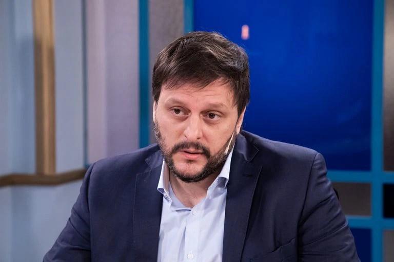 Qué dijo Leandro Santoro sobre las frases polémicas de Alberto Fernández - LA NACION