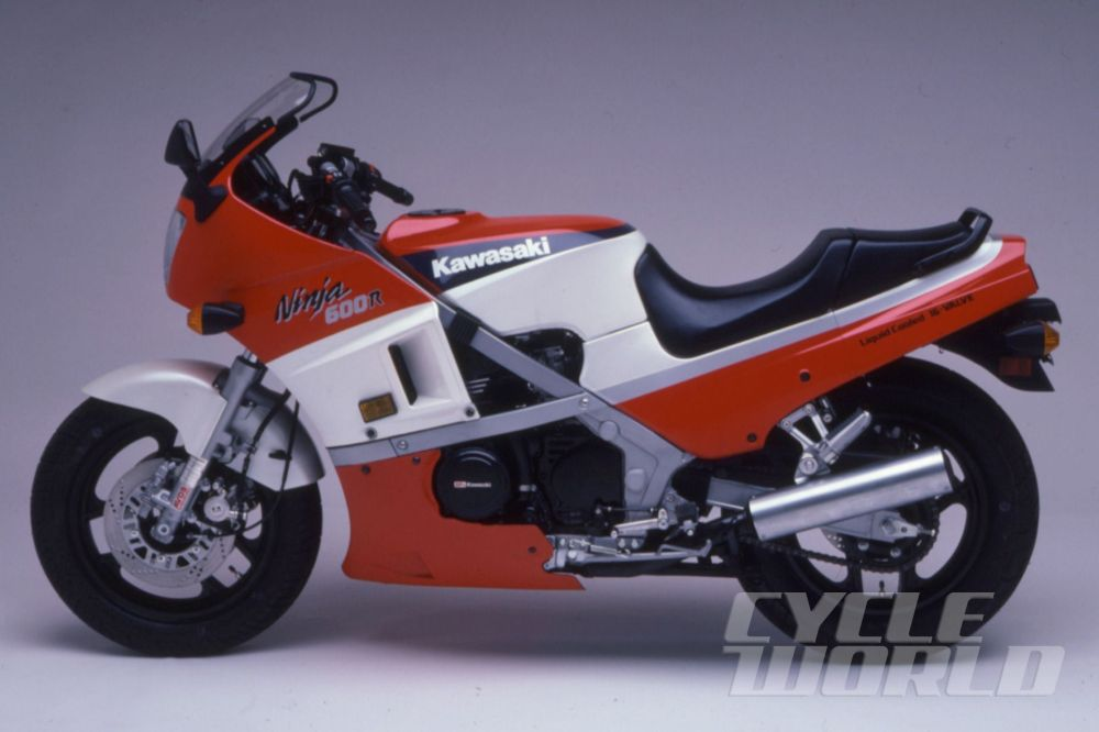 medium resolution of kawasaki ninja motorcycle history 1984 gpz900 to 1990 zx 11 cycle world