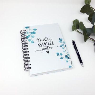 Portada del Organizador de boda y Planificador de Boda diseñado por Resma Estudio. El valor de este planificador es la información que te proporciona. Es un check-list de cosas a tener en cuenta. Para que no te olvides de nada para tu Boda.