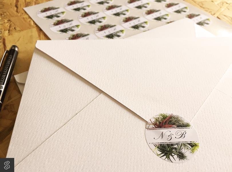 09_invitaciones-con-adhesivos