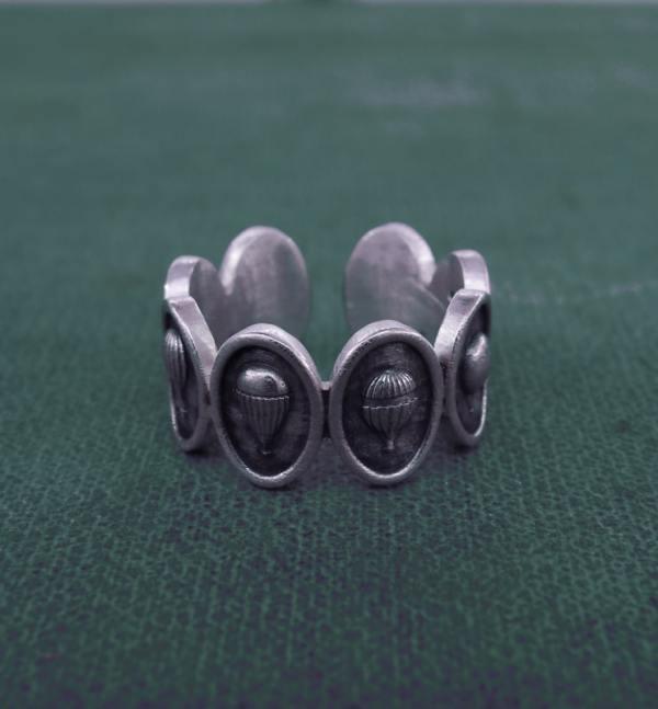 Bague anneau mini montgolfières rétro en argent patiné fabriquée artisanalement en France | Res Mirum