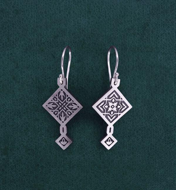Earrings d'asymmetrical square zellige oriental earrings in sterling silver 925 with hook system | Res Mirum