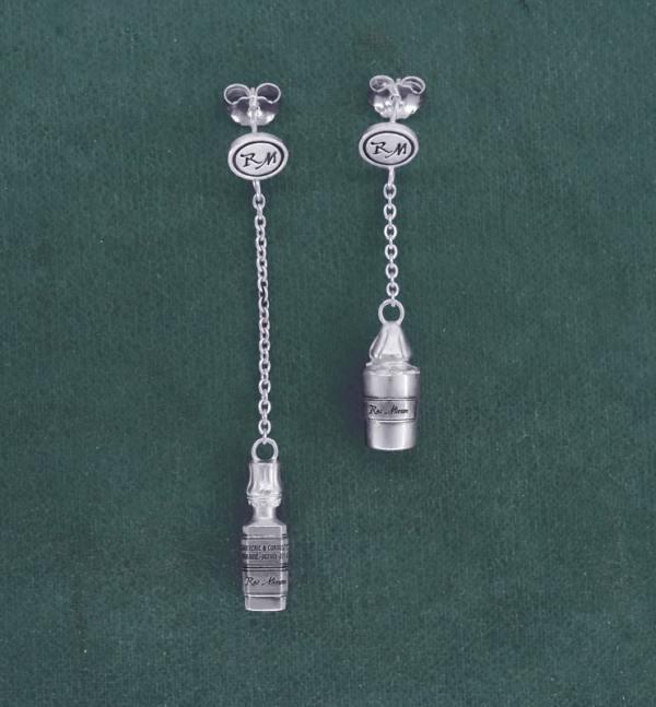 Boucles d'oreilles mini flacons d'apothicaire asymétriques, en argent massif fabriquées en France | Res Mirum
