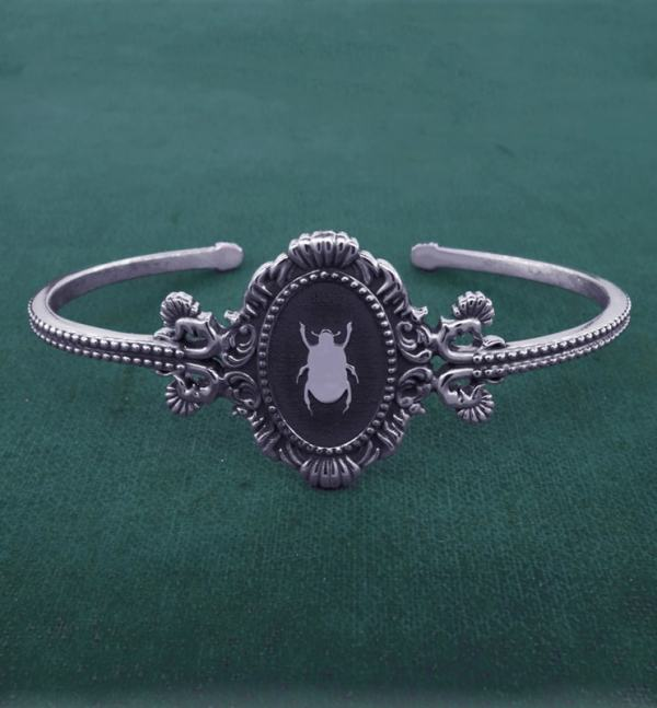 Beetle and baroque mouldings bracelet inspired by d&#039 museums;natural history made in France | Res Mirum