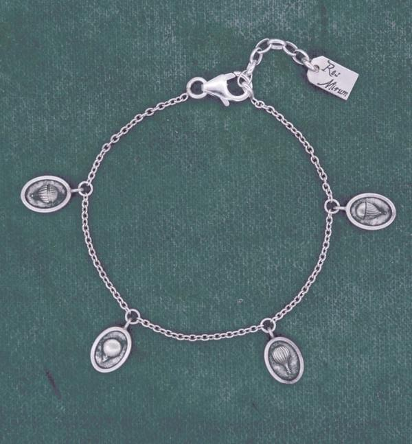 Cameo style bracelet with small charms, reproductions of retro mini hot air balloons handmade | Res Mirum