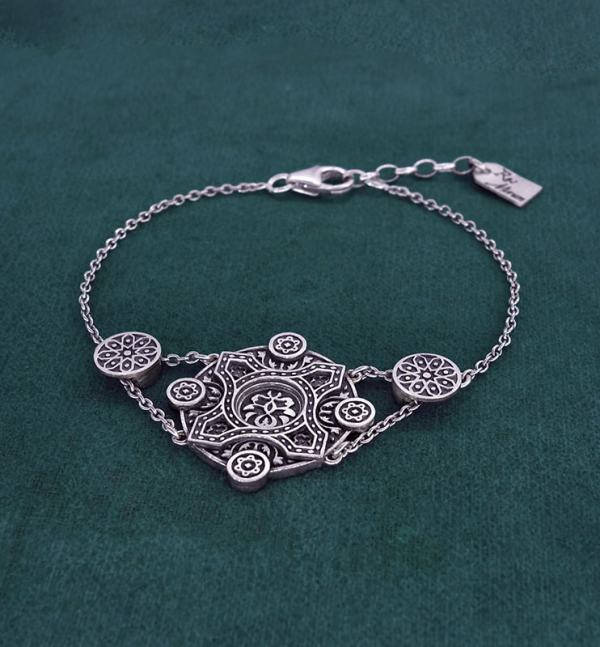 925 silver 925 round floral bracelet inspired by l'architecture d'Orient and zelliges made in France side view | Res Mirum