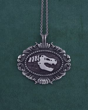 Tyrannosaurus skeleton pendant in a baroque oval frame museum style d'925 Sterling Silver Natural History | Res Mirum