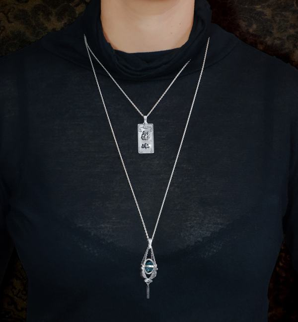 Mineral pendants on short chain and world map on long chain in sterling silver made in France | Res Mirum