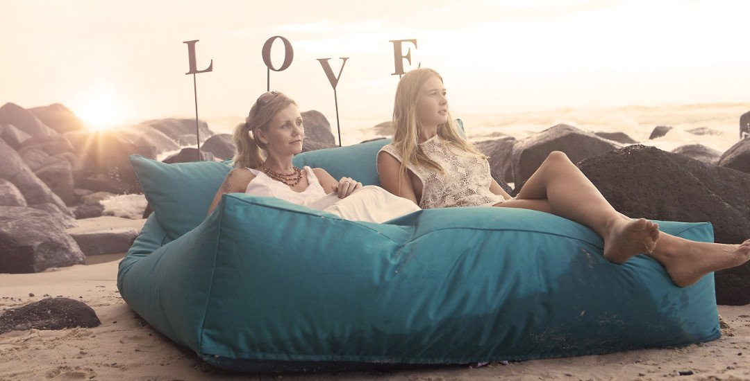 Big Kahuna Giant Indoor Outdoor Bean bag double bed