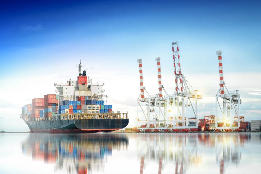 exports / Aun_Photographer, Shutterstock_455623612