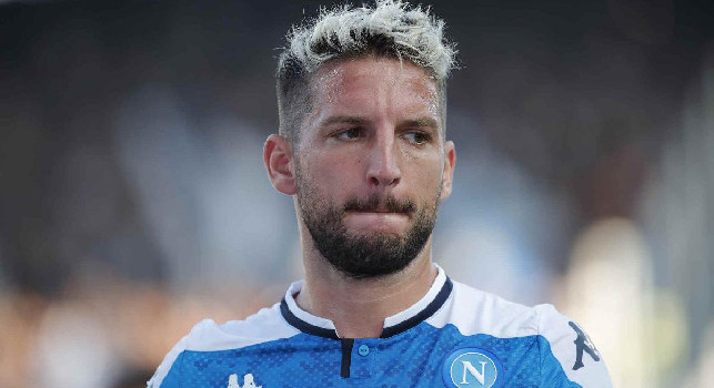 Training at the San Paolo, Mertens apologizes and then applauds: the fans like it! (VIDEO CN24)
